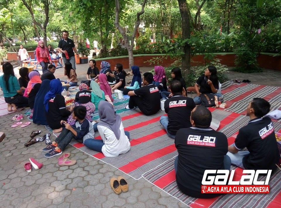 Keluarga Besar Galaci di Kebun Bibit Surabaya
